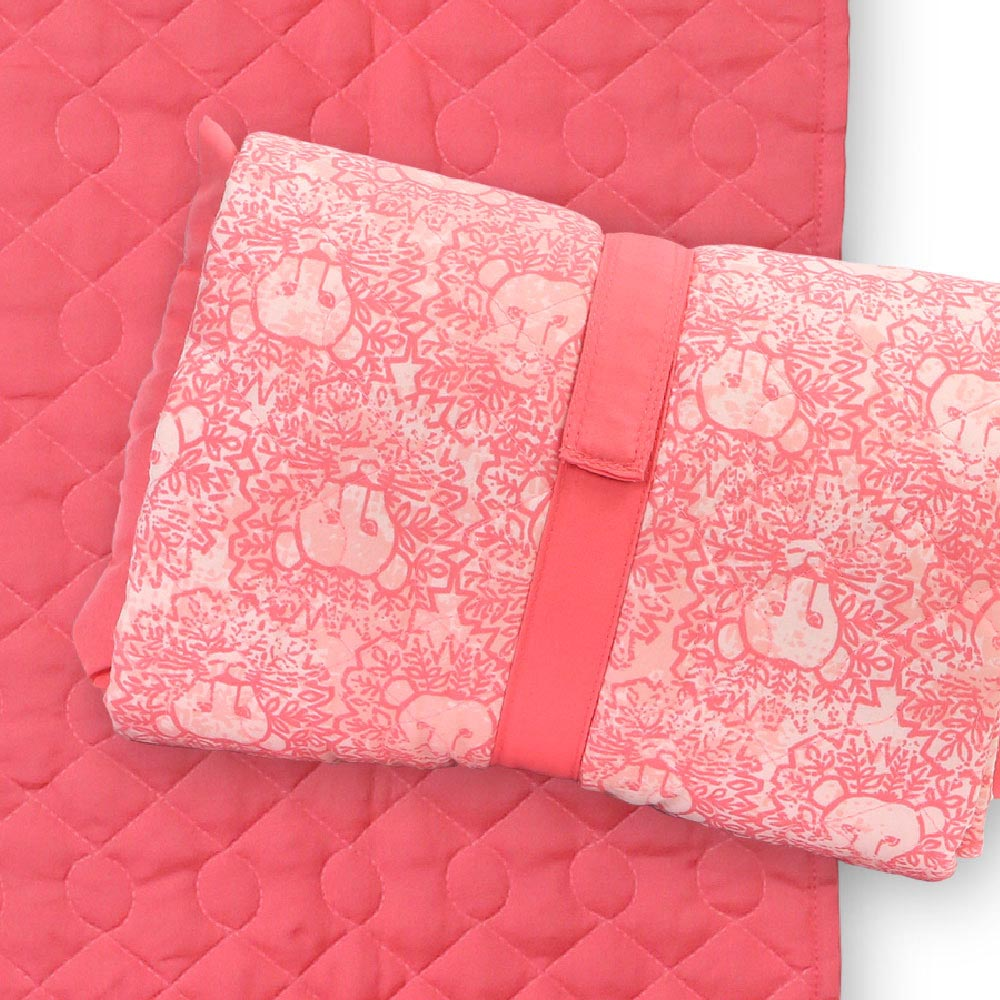 lion around pink quilted napmat