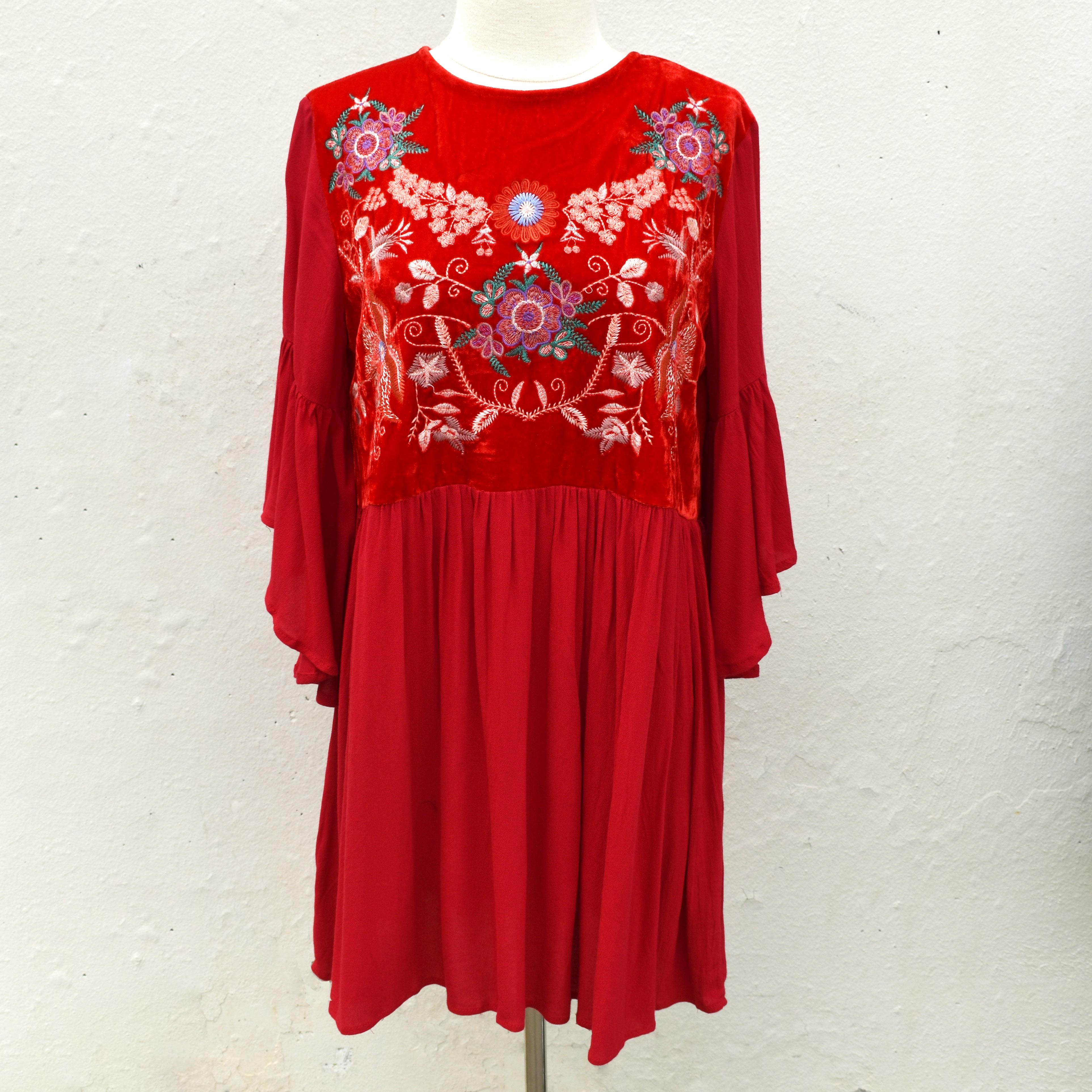 red floral embroidered ruffle sleeve velvet chest with keyhole back