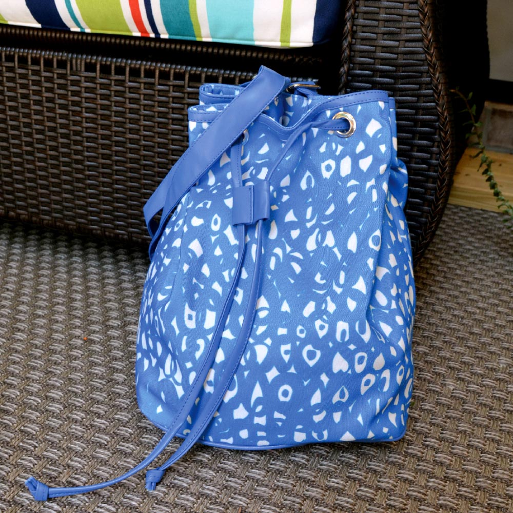hoopla blue bucket bag