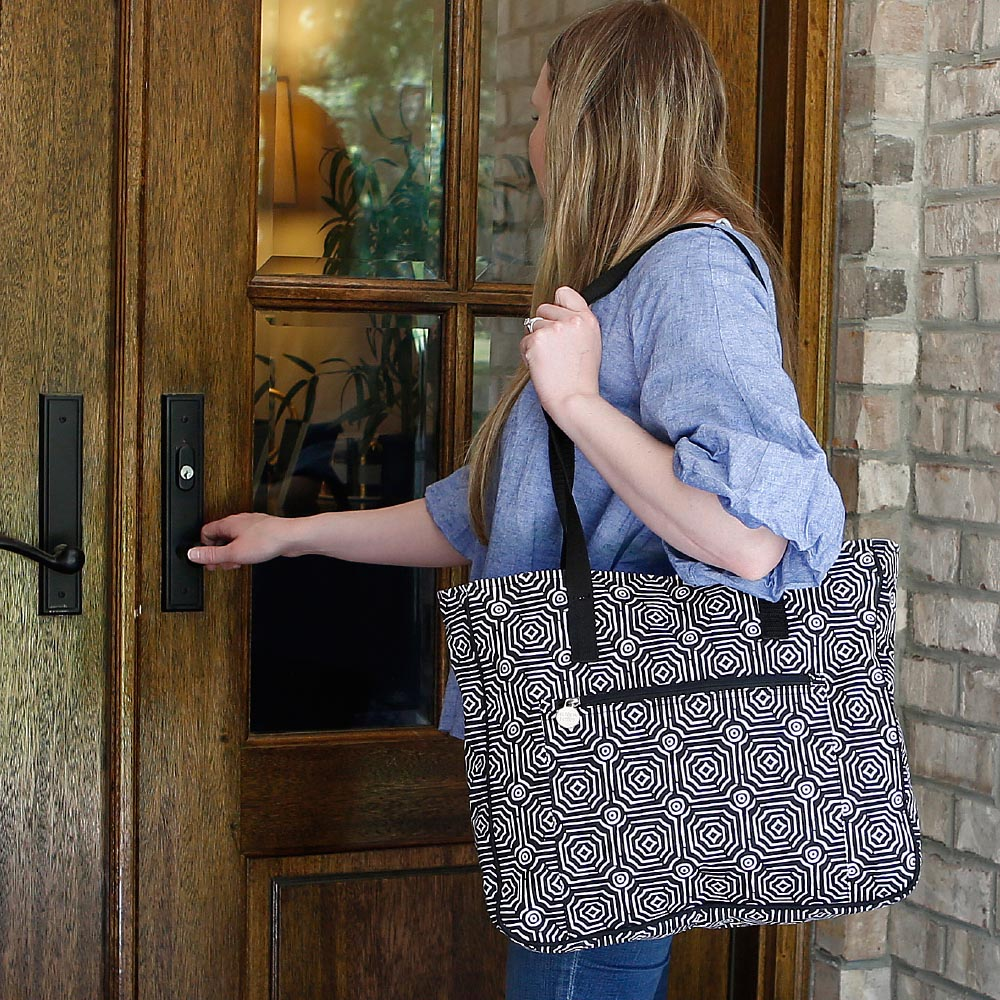 echo black carried away tote