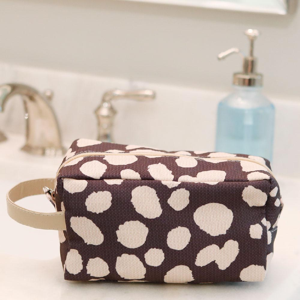 spot on cosmetic zipper bag