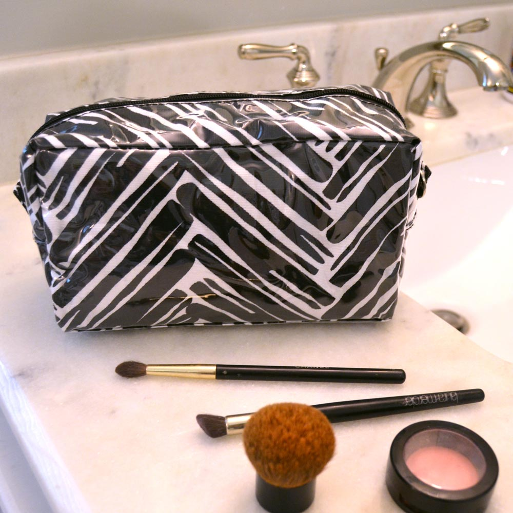 twill do black cosmetic zipper bag