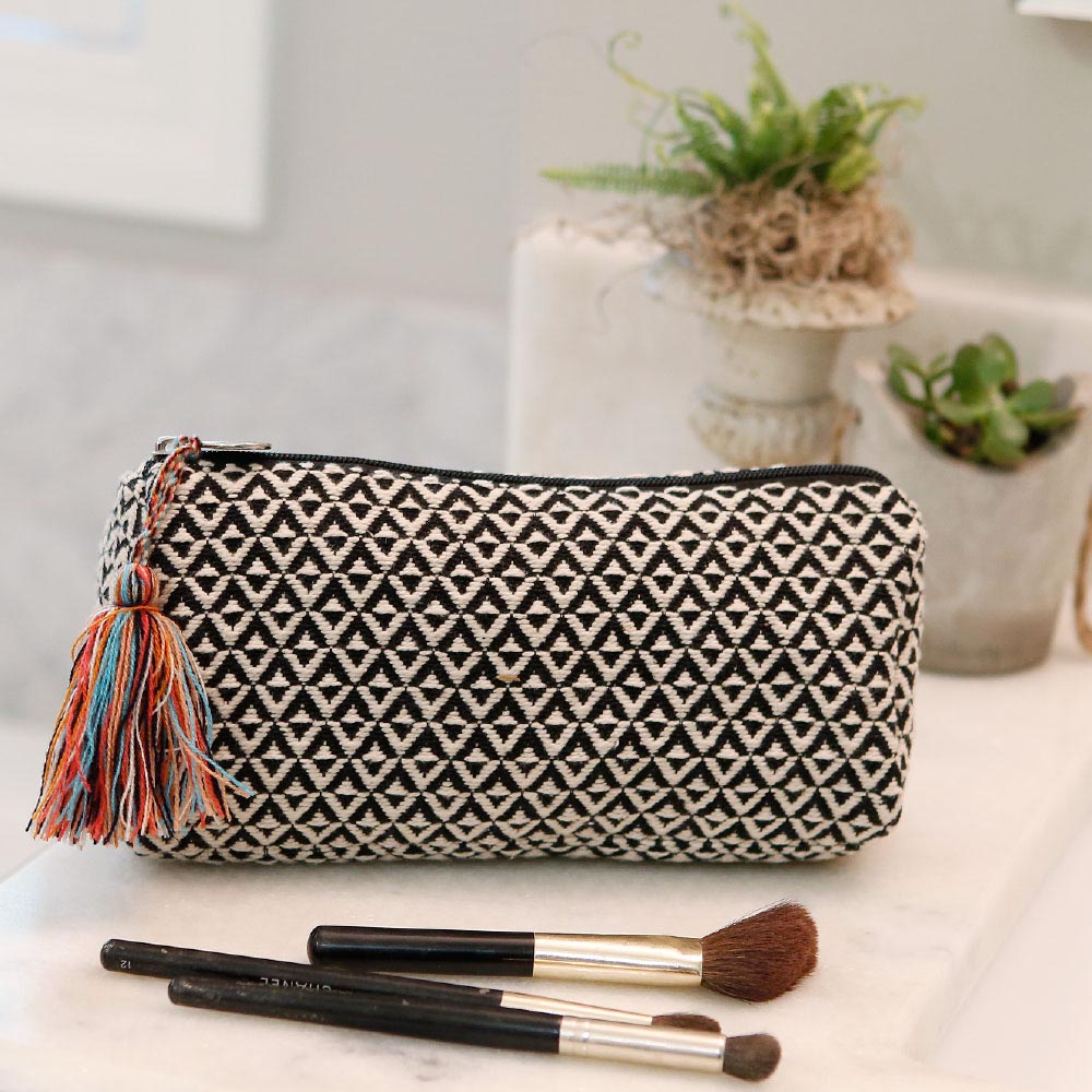 durry black/cream long cosmetic bag w/tassle