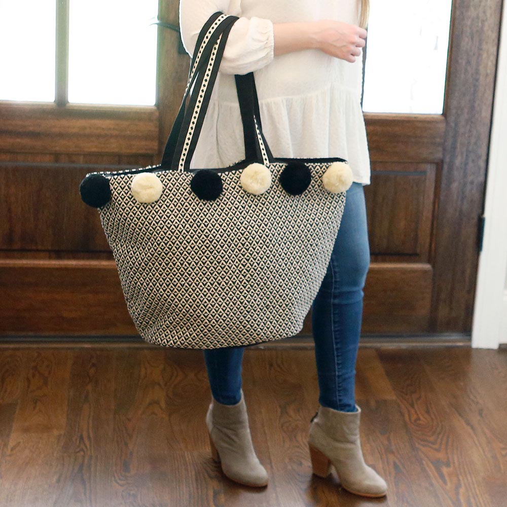 durry black/cream pom pom tote