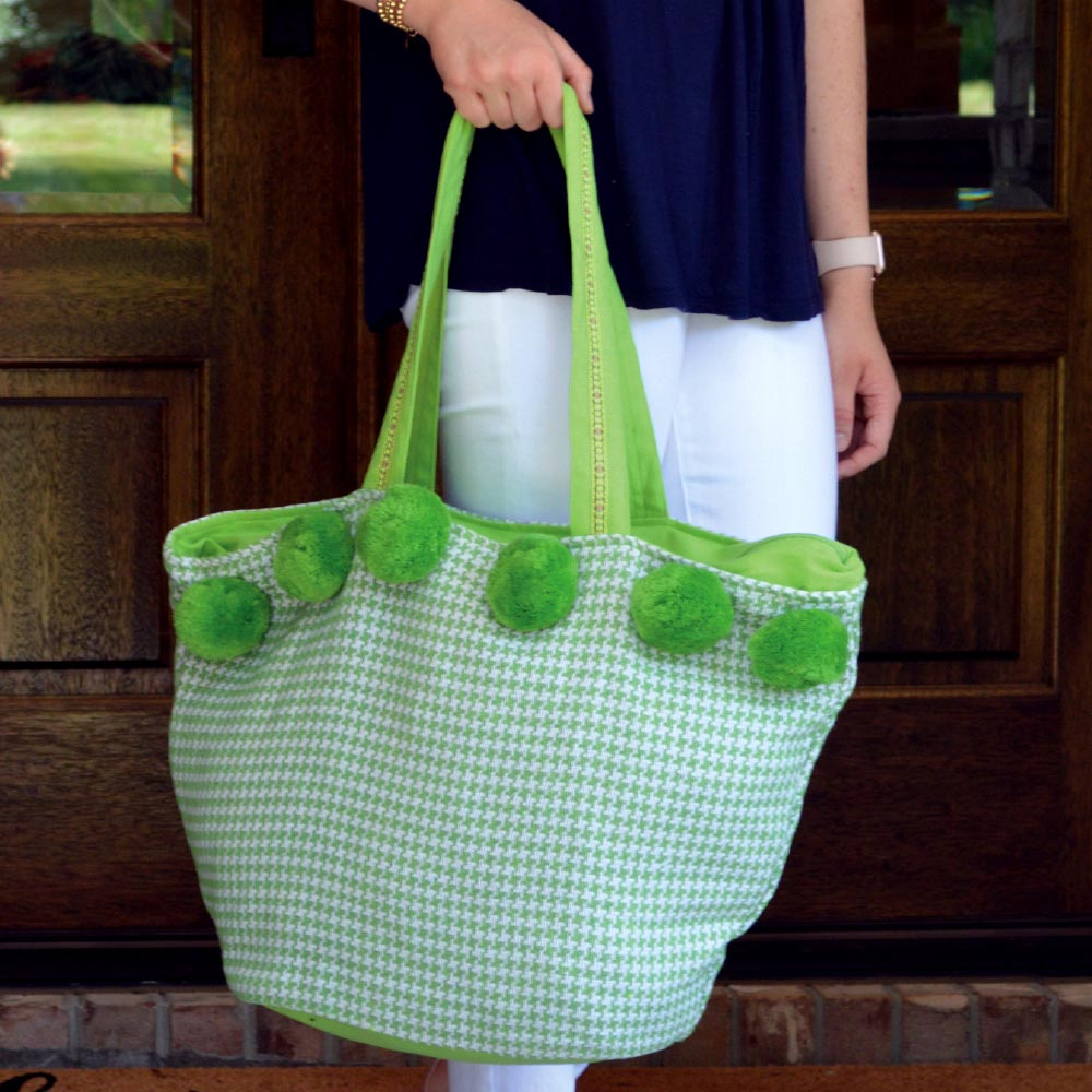durry green houndstooth pom pom tote