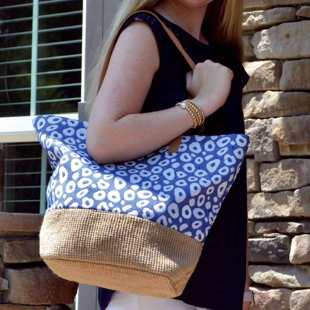 durry blue spots snap tote