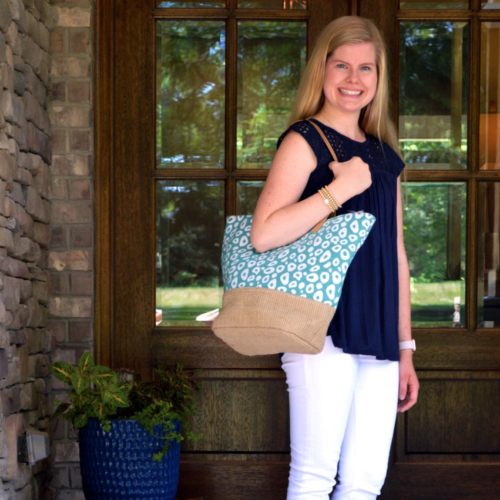 durry teal spots snap tote