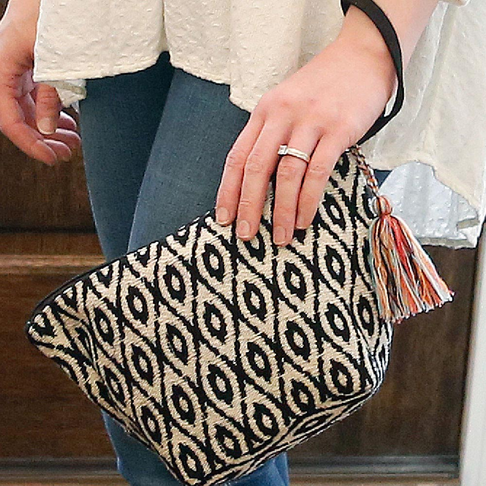durry black/cream zipper bag pouch w/tassle