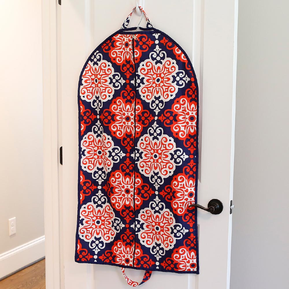 sangria garment bag