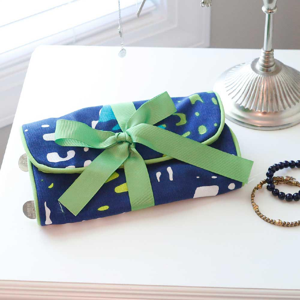 under wraps jewelry roll