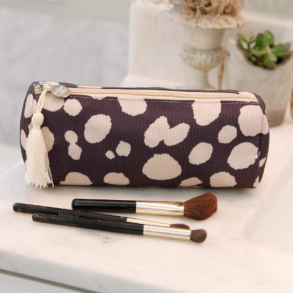 spot on long cosmetic bag w/tassle