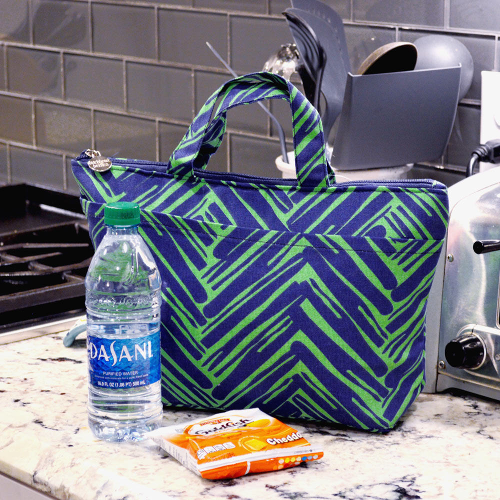 twill do navy and green lunch tote