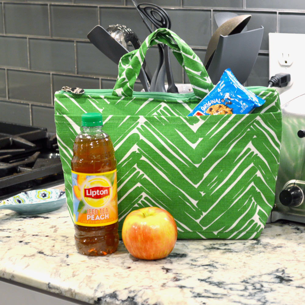 twill do green and white lunch tote