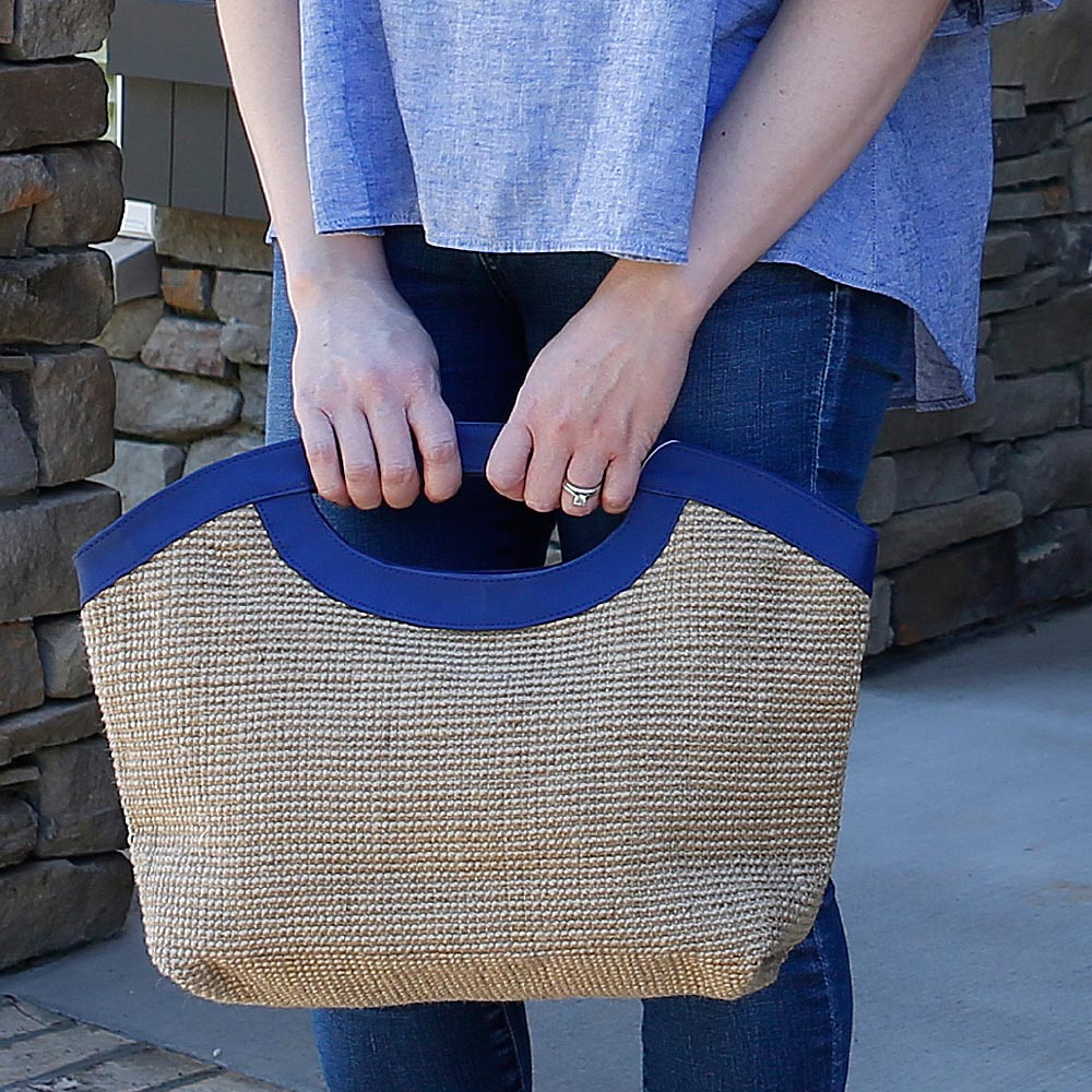 charleston mclaine clutch w/navy trim