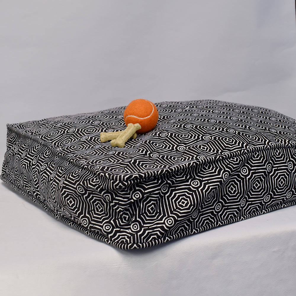 echo black pet bed cover