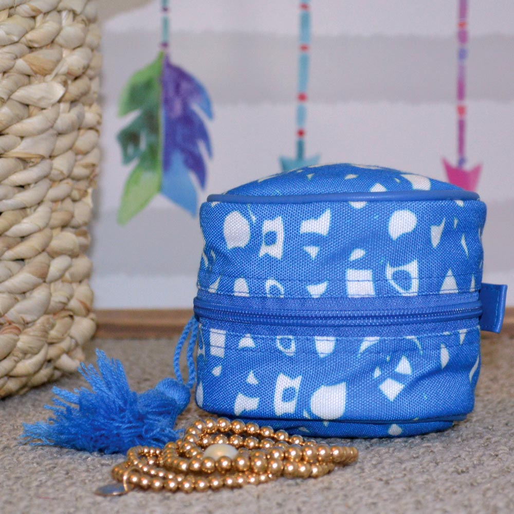 hoopla blue round cosmetic bag