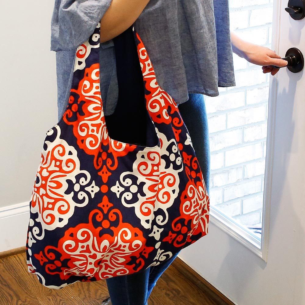 sangria reversible HOBO bag