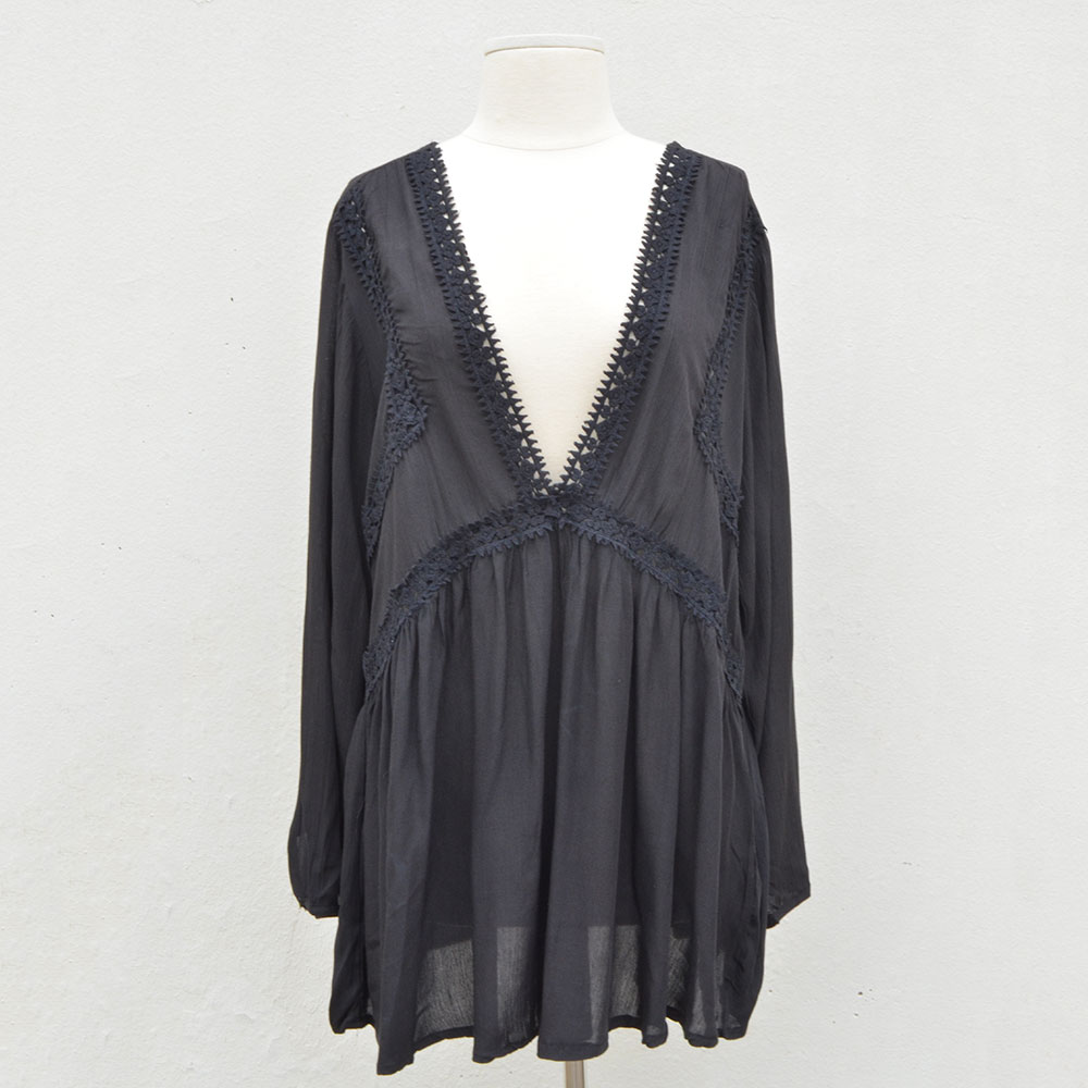 black v neck short cover up w/lace