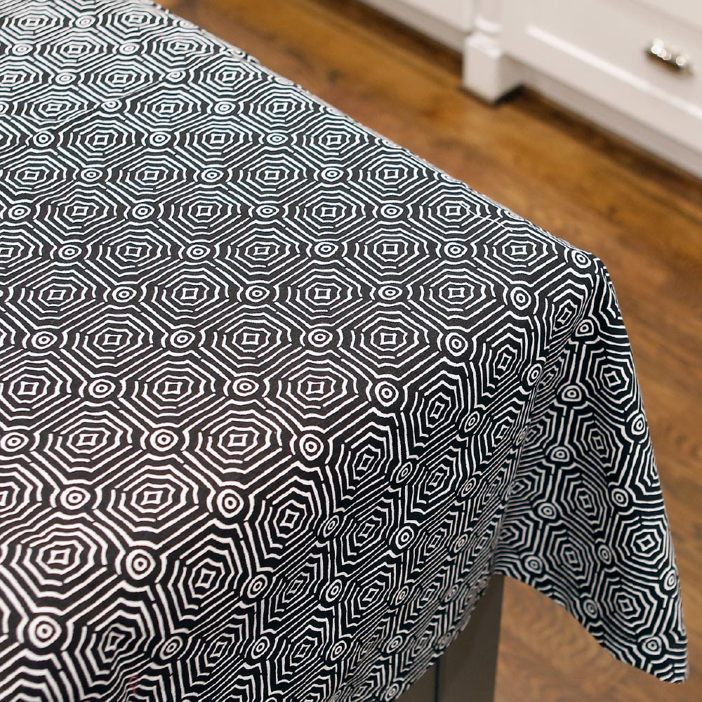 echo black tablecloth