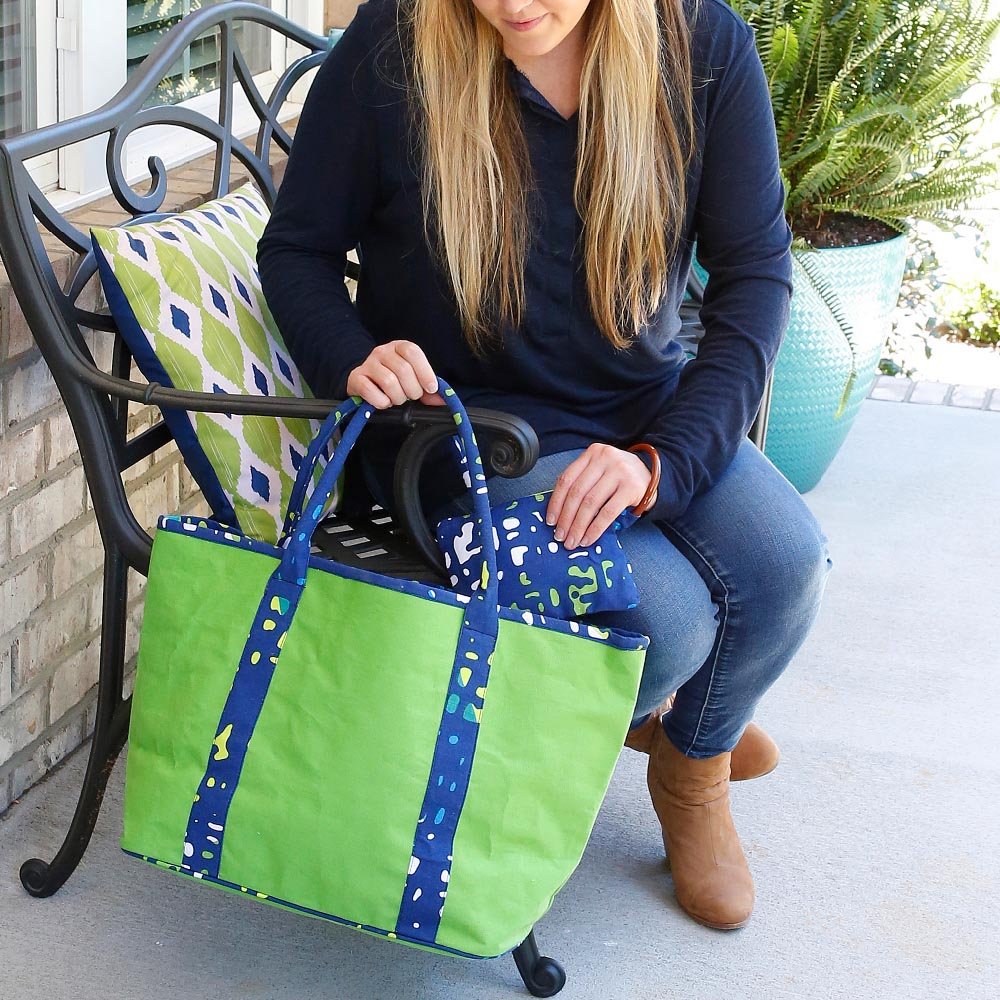 under wraps traveler tote