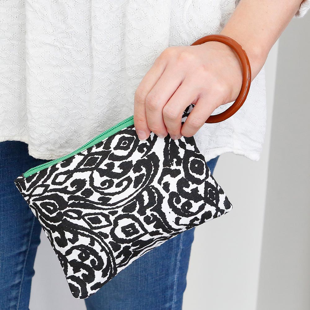 point blank black wristlet w/green trim