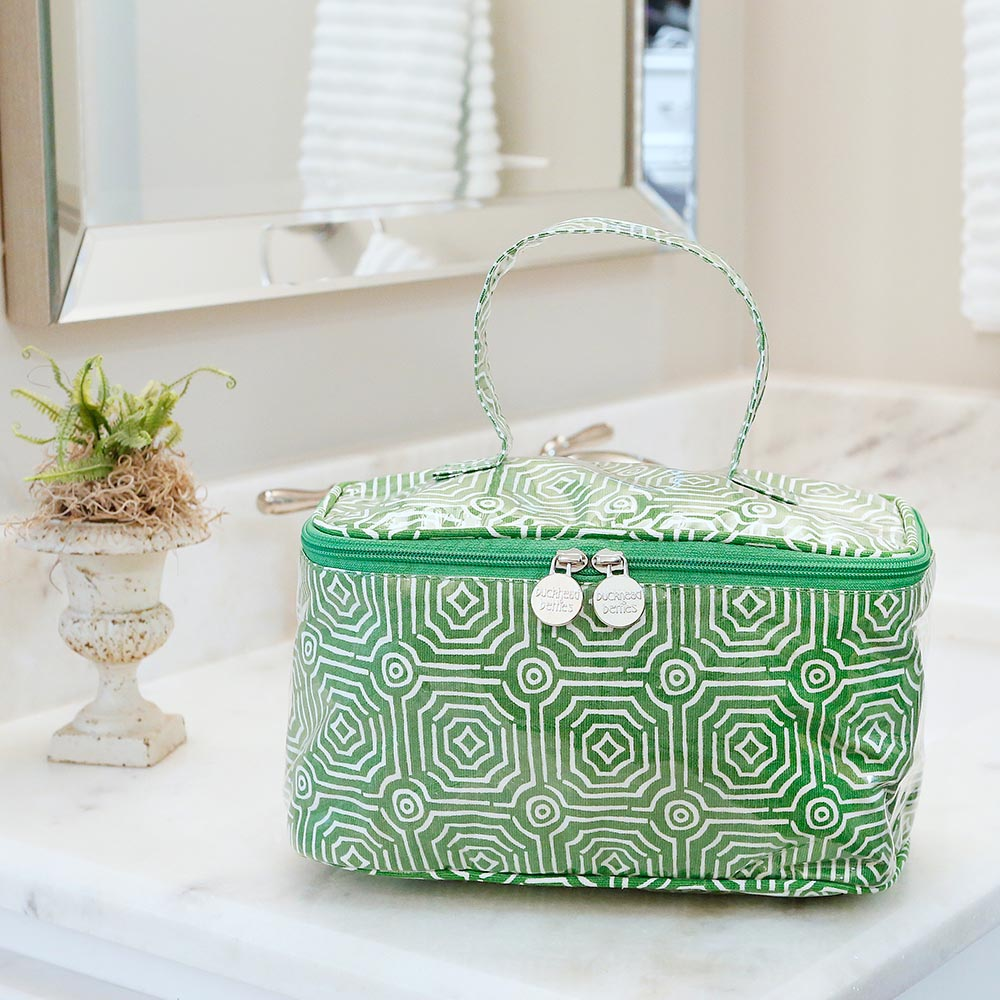 echo green train case