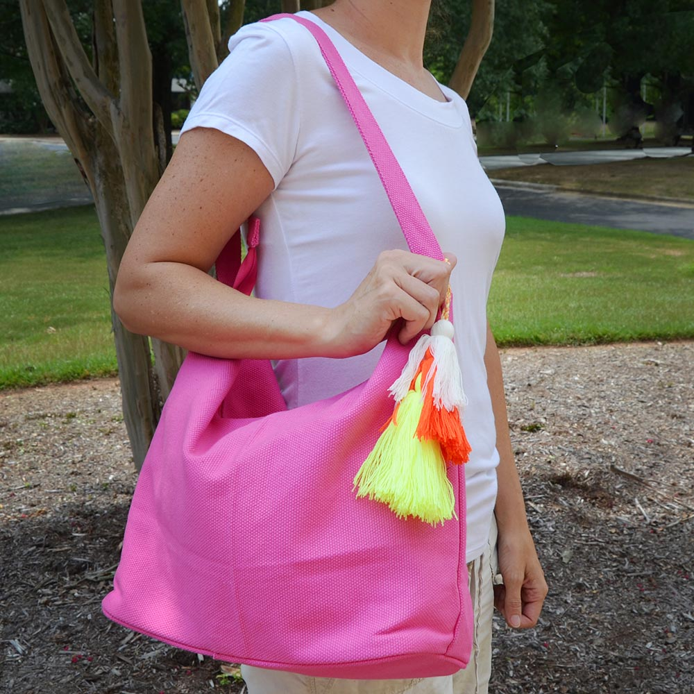 solid pink durry tote w/tassle