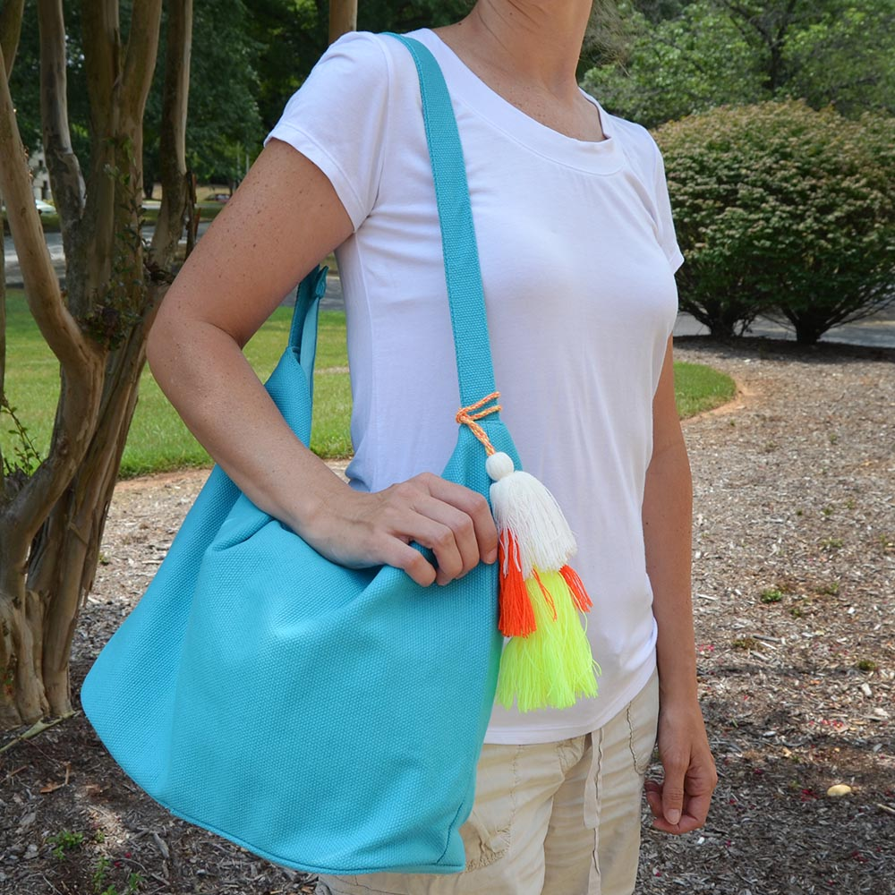 solid turq durry tote w/tassle