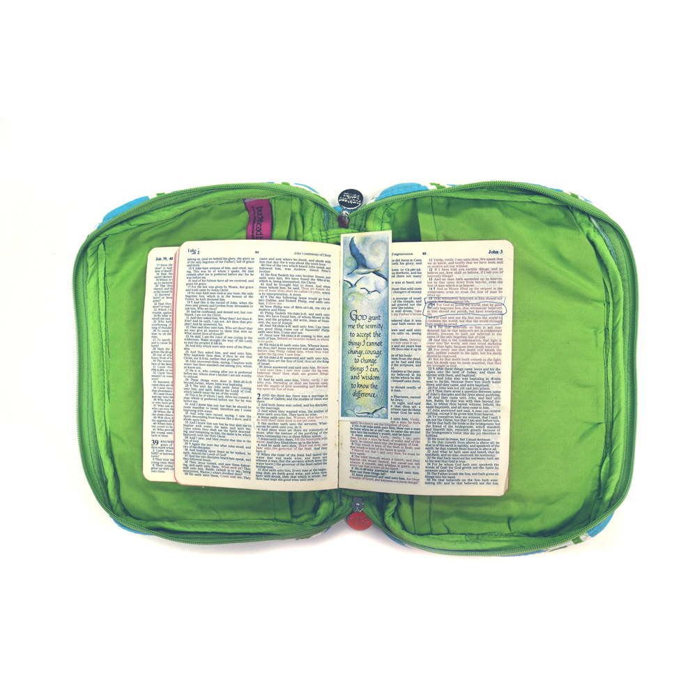harbor bae turq/green quilted bible cover
